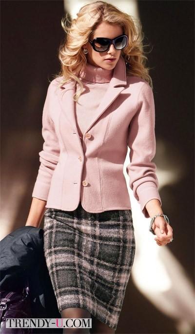 Серая юбка, свитер и жакет