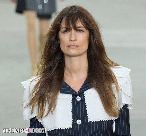 39-летняя Caroline de Maigret на показе Chanel весна-лето 2015