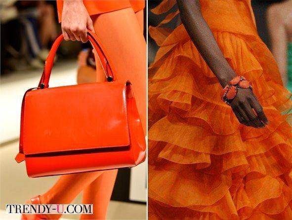 Сумка и украшение к оранжевому платью