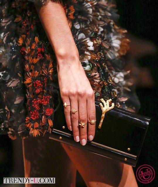 Стильные колечки Valentino весна-лето 2015