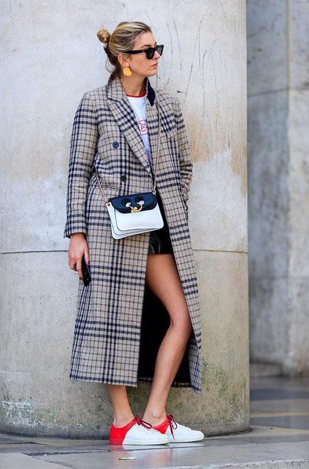 Пальто в черно-белую клетку: с чем носить