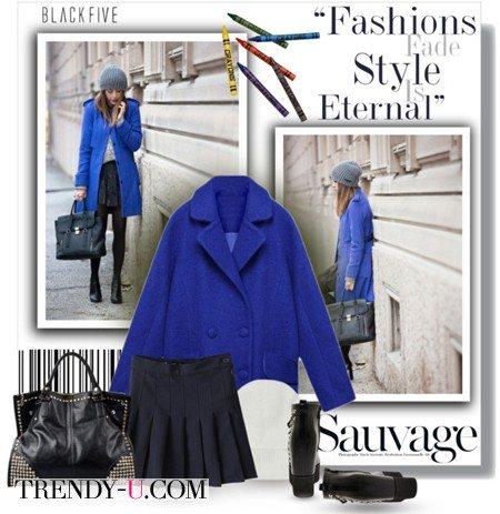 Пальто кобальтового цвета и шапка-носок
