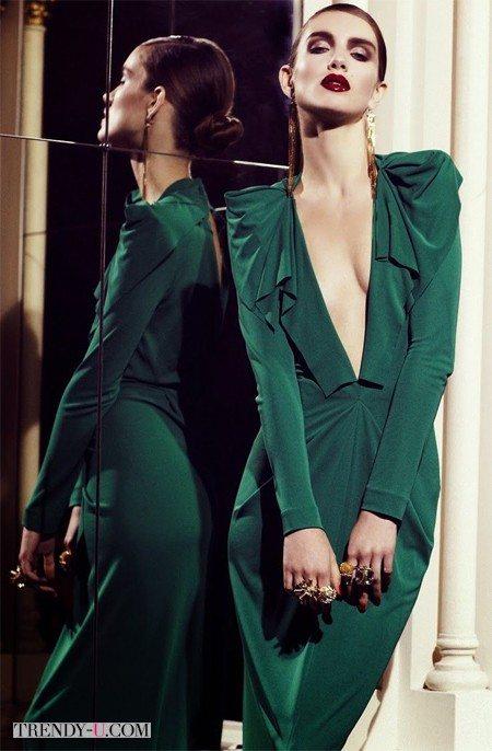 Украшения и макияж к зеленому платью