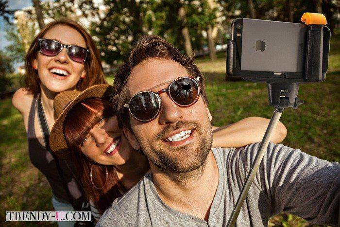 Что взять с собой в отпуск? - Фотоаппарат или телефон!:)