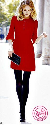Красное платье - черные непрозрачные колготы