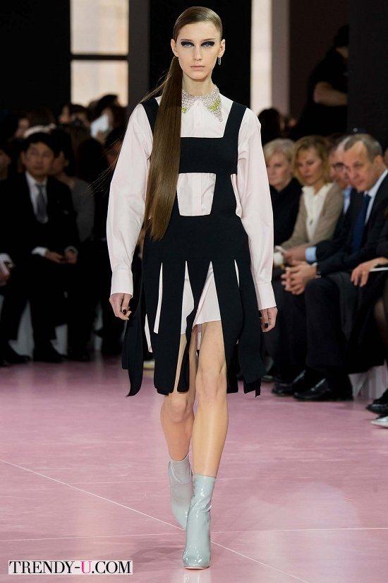 Модная белая блузка с декорированным воротничком Christian Dior осень-зима 2015-2016
