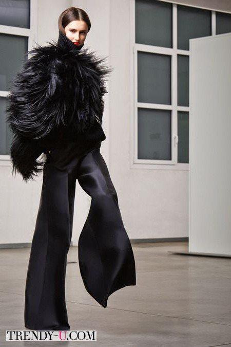 Объемный полушубок + брюки клеш