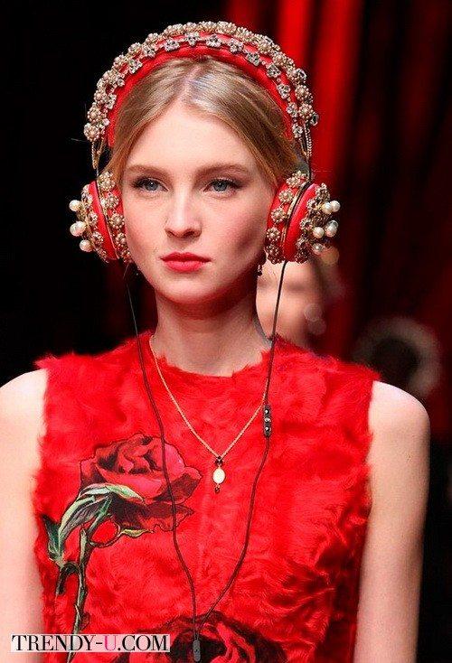 Наушники для девушек в коллекции Dolce&Gabbana