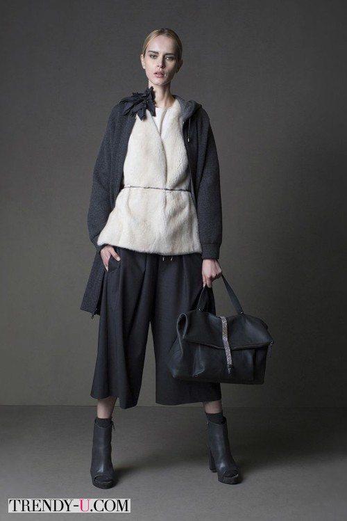 Меховый жилет под пальто