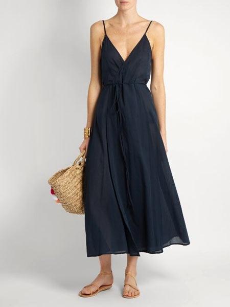 Черное платье: с чем носить летом
