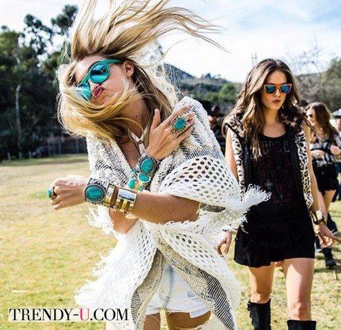 Девушки бохо в солнцезащитных очках