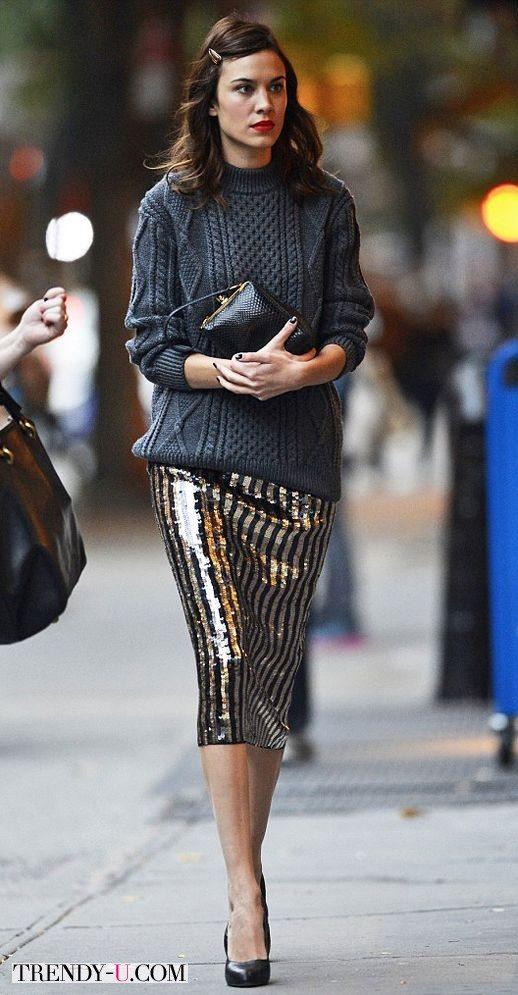Свитер с рельефными косами и нарядная юбка-карандаш