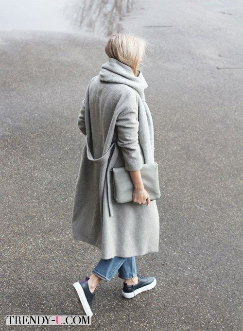 Стильное пальто оверсайз в сочетании с джинсами