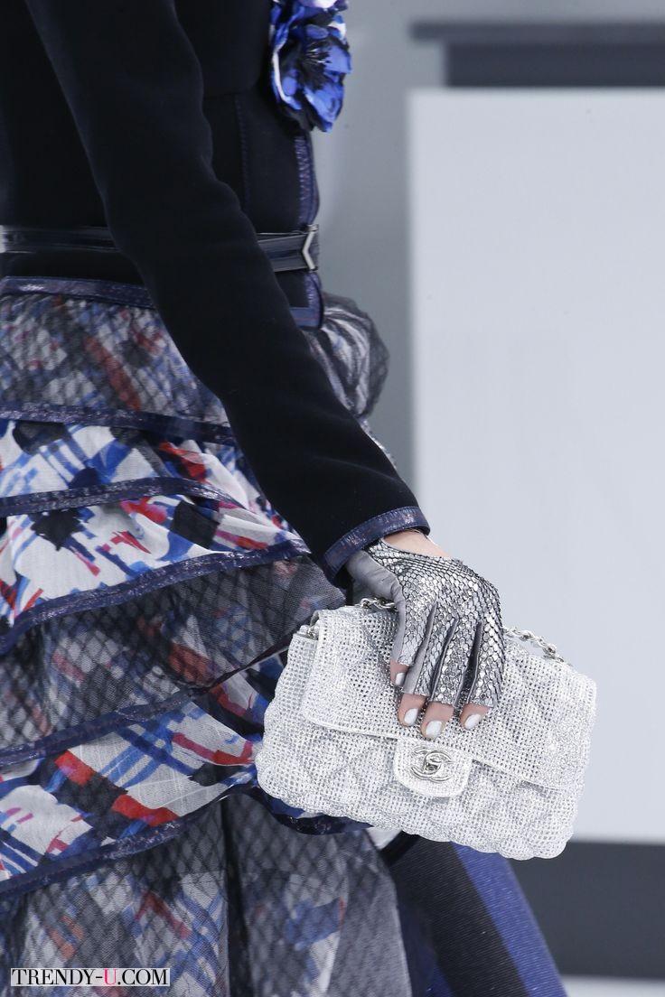 Классическая сумка-клатч, Chanel весна-лето 2016