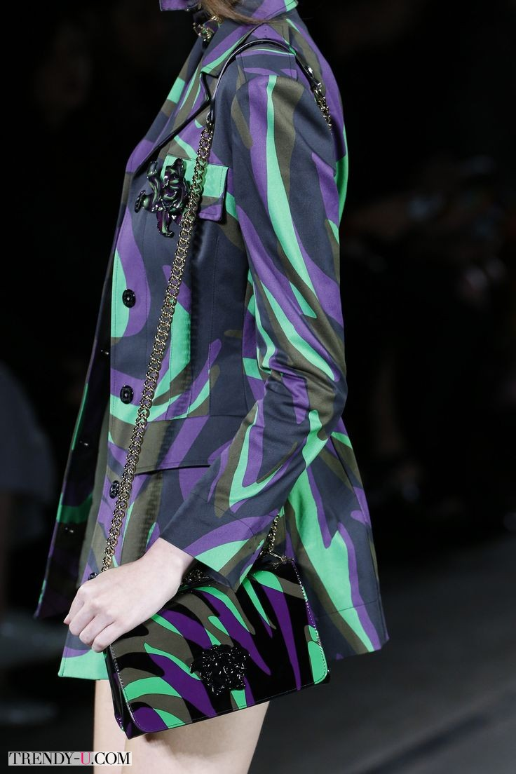 Яркая стильная сумочка, Versace, весна-лето 2016