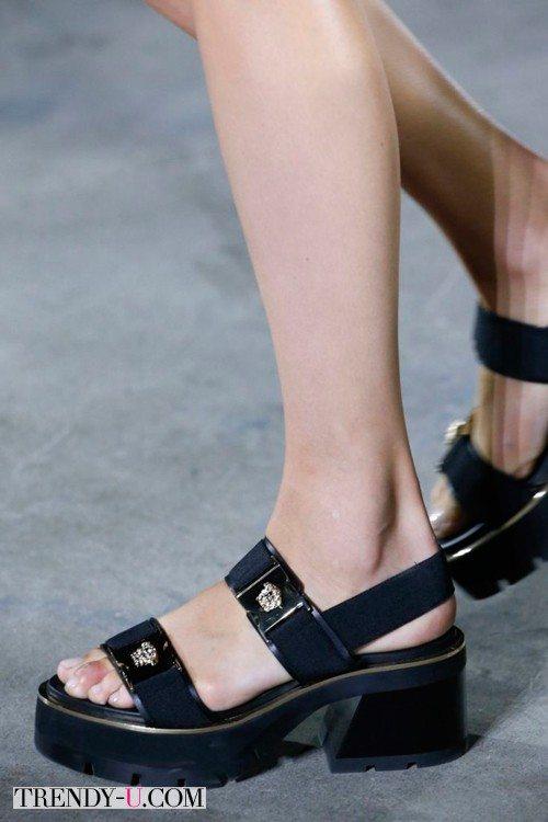 Стильные и удобные сандалии на каждый день, весна-лето 2016, Versace