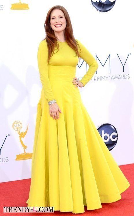Джулианна Мур в желтом вечернем платье