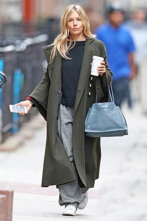 Образ для осени: серые брюки, длинное пальто оверсайз