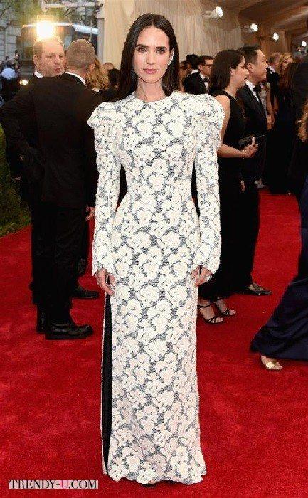 Кружевное платье в пол. Привет от бабушкиной занавески