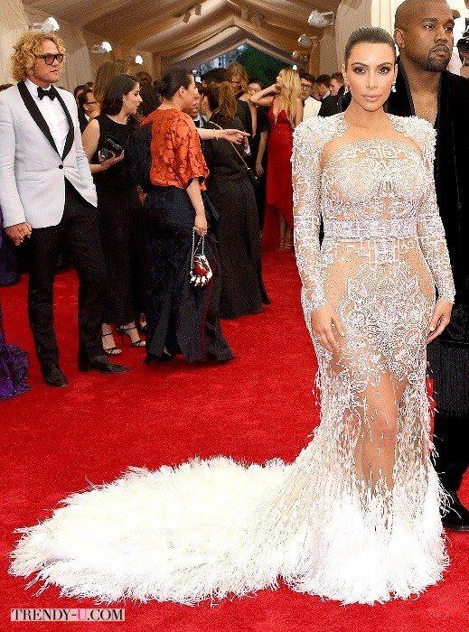 Вечернее платье Ким Кардашьян. Перья и сеткаВечернее платье Ким Кардашьян. Перья и сетка