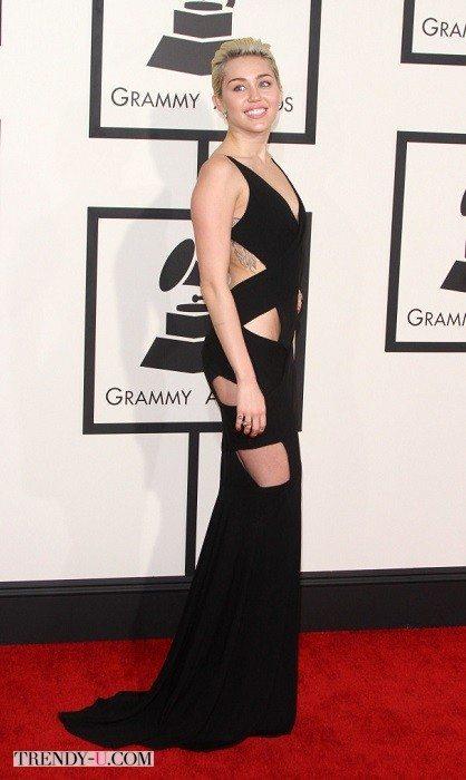 Черное вечернее платье экономного дизайна на Майли Сайрус