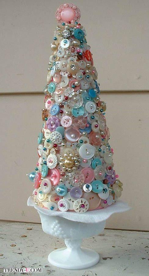 Прелестная креативная елка из пуговиц