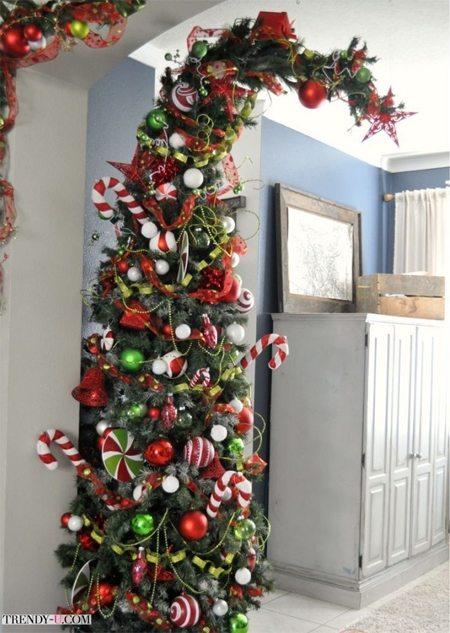 Креативная елка, адаптируется под высоту потолка
