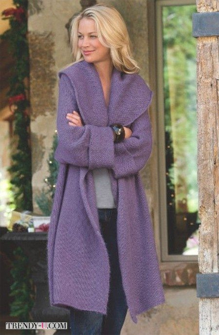 То ли вязаное пальто, то ли длинный кардиган, не поймешь)