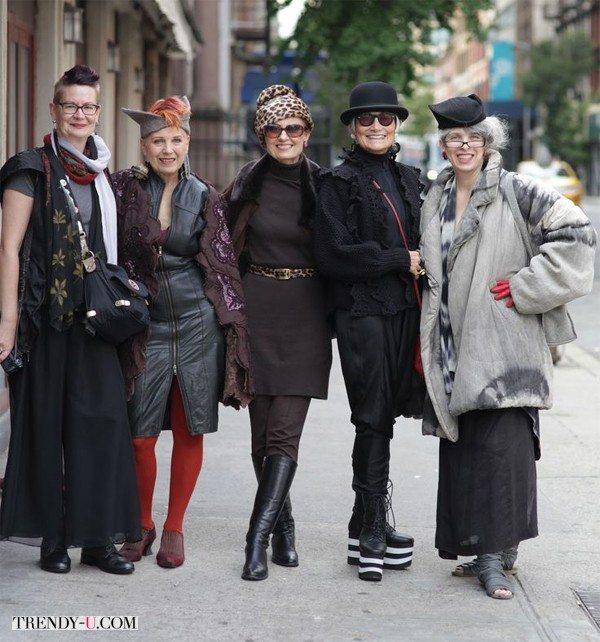 Стильно одетые женщины элегантного возраста