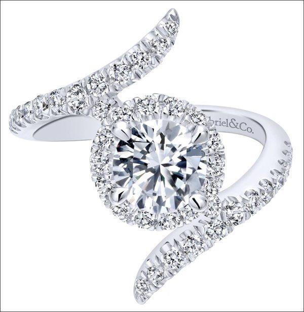 Дорогое кольцо Gabriel and Co. из белого золота с бриллиантами