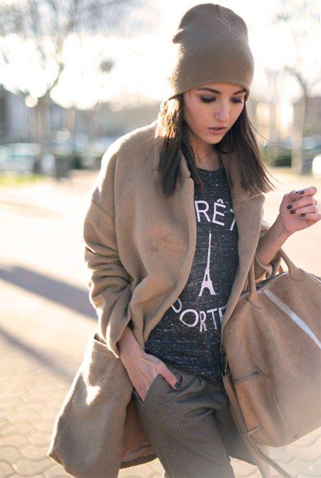 Шапка вязаная, пальто и сумка в тон