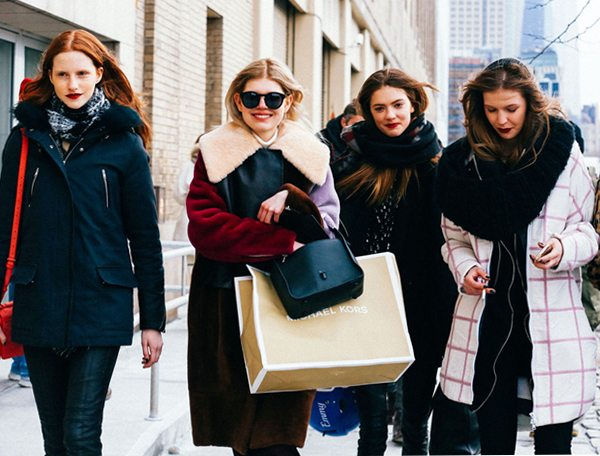 Уличные модницы. Зима 2016