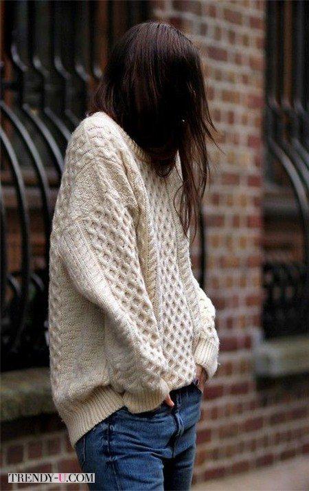 Стильный свитер оверсайз в сочетании с джинсами