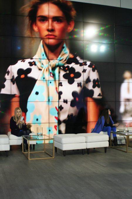 Показы модной одежды украинских дизайнеров сезона осень-зима 2016-2017 можно было смотреть в фойе