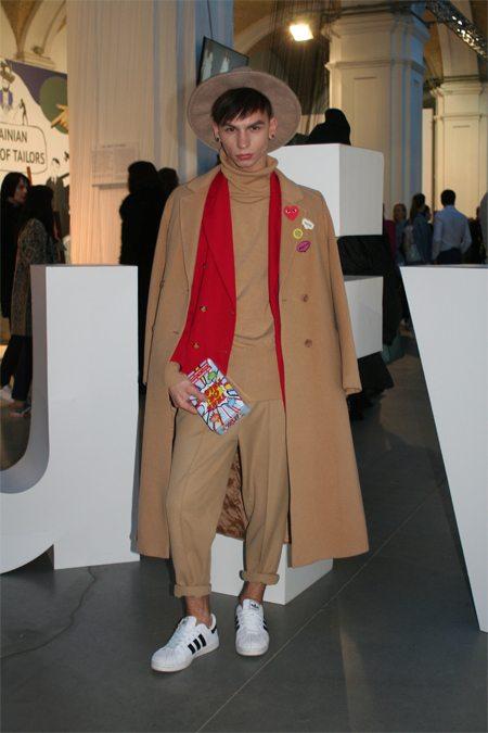 Молодой человек на Украинской неделе моды