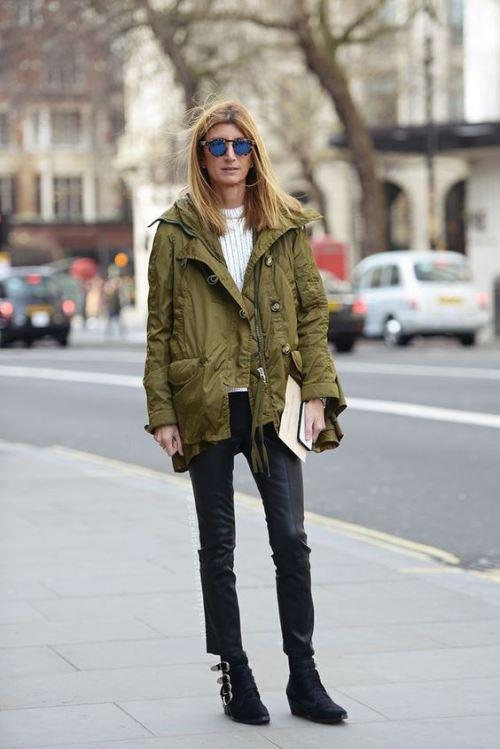 Сара Ратсон, как и многие женщина после 40, предпочитает одеваться в повседневной жизни просто и с комфортом