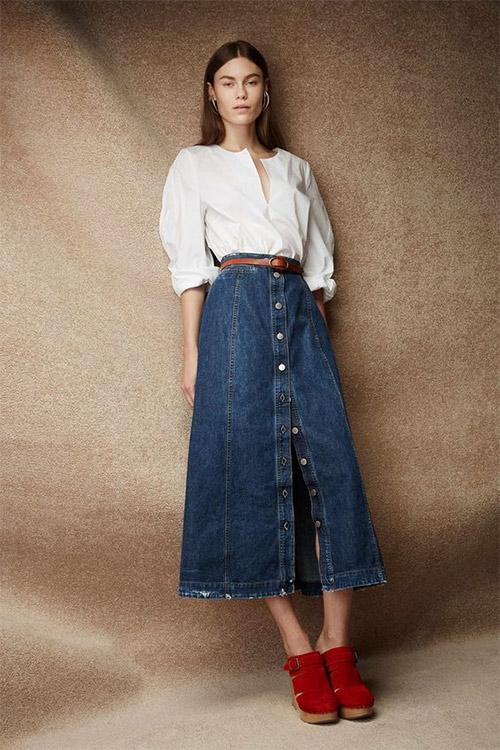 Джинсовая юбка в сочетании с блузкой