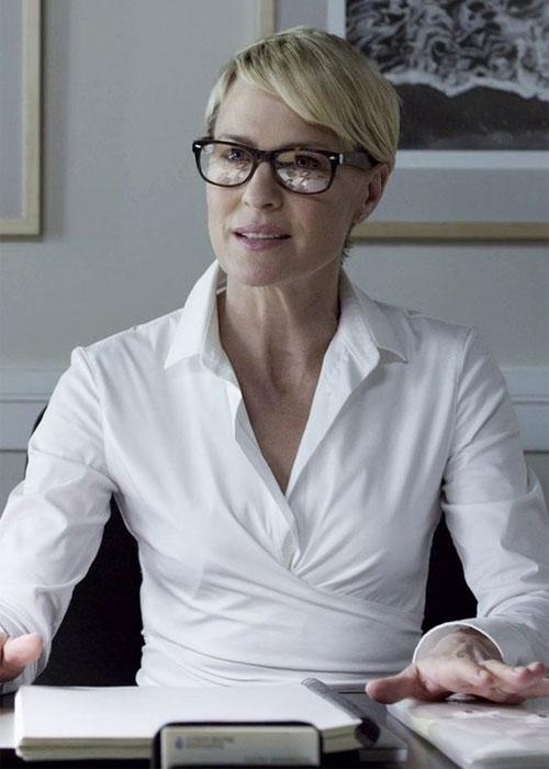 Клэр Андервуд в белой рубашке: стильно!