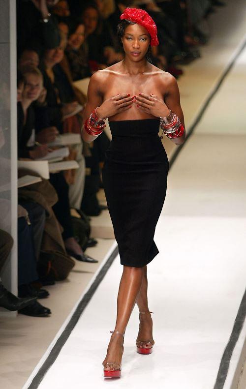 Наоми Кэмпбелл на показе Jean Paul Gaultier в 2015 году