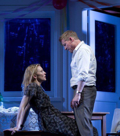 Кейт Бланшетт в спектакле «Подарок», Сиднейский театр