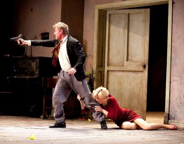 Кейт Бланшетт в пьесе А.П. Чехова «Дядя Ваня», в роли Елены Андреевны, Сиднейский театр