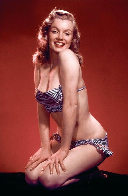 На заре карьеры Мэрилин Монро снималась в пикантных фотосессиях