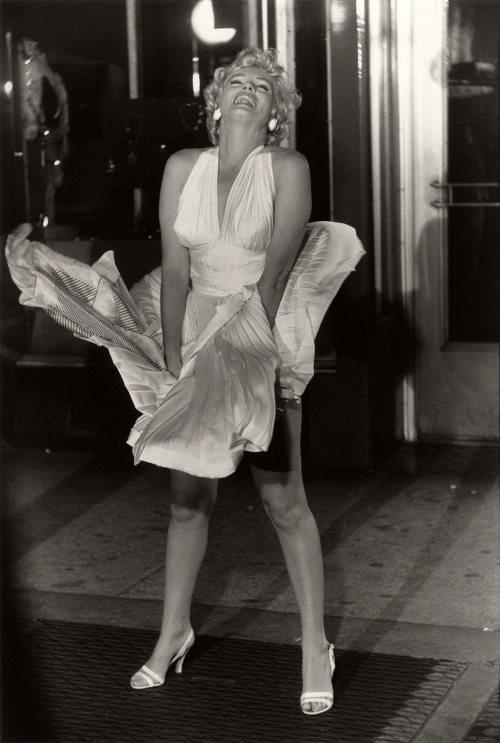 Легендарное фото: Мэрилин Монро в белом платье на съемках фильма «Зуд седьмого года»