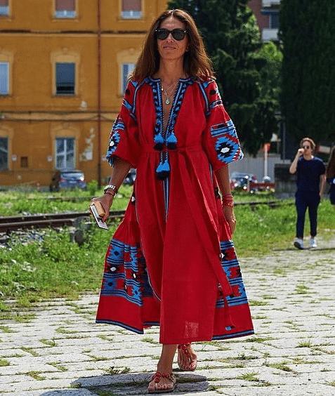Джованна Батталья в вышитом платье от Виты Кин