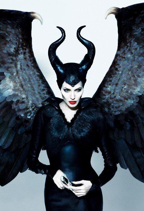 Анджелина Джоли в роли неповторимой злой феи Малефисенты