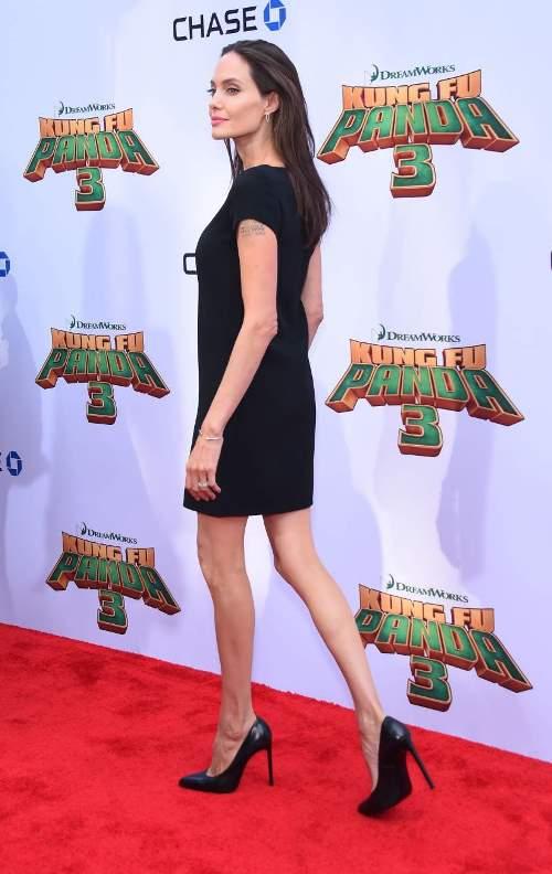 Анджелина Джоли: рост, вес сегодня критические — при росте 169 см она весит всего лишь 35 килограммов!