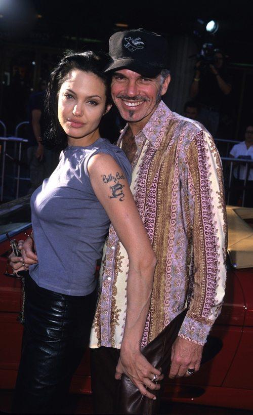Анджелина Джоли и Билли Боб Торнтон (на левом плече у Энджи — тату с именем любимого)