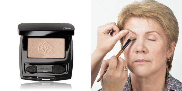 Для макияжа глаз выбирайте матовые естественные оттенки. На фото слева — тени с матовым эффектом Lancome Ombre Hypnose Mono