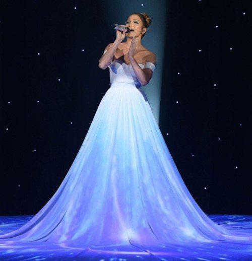 Дженнифер Лопес сейчас — одна из самых успешных звезд шоу-бизнеса (на шоу American Idol)