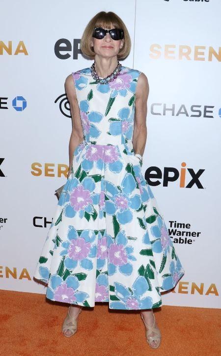Говорят, что у Анны Винтур — самая большая коллекция платьев с флористическими принтами
